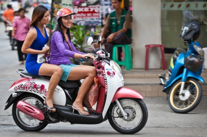 在芭提雅租摩托车