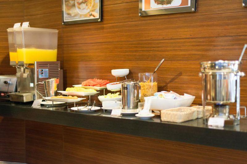 曼谷素坤逸娜娜八号酒店,曼谷素坤逸娜娜八号酒店,On 8 Sukhumvit Nana Bangkok by Compass Hospitality