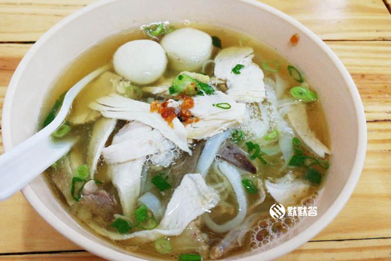天皇鸡脚粿条汤,汕头街小吃四大天王之–天皇鸡脚粿条汤,Kimberley Street Duck Kway Chap